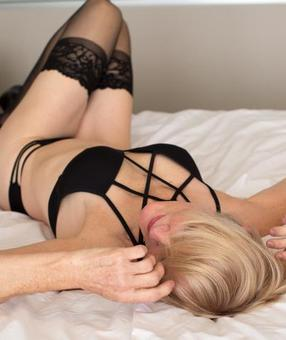 Australia Escorts-Hannah-non-asian-escorts-Private-Adelaide-adelaide-Escorts