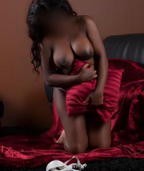 Australia Escorts-BOOTYLICIOUS-non-asian-escorts-Private-Brisbane-cbd-Escorts