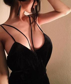 Australia Escorts-Nina-asian-escorts-Private-Melbourne-balwyn-Escorts