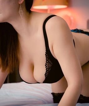 New Zealand Escorts-Macy-asian-escorts-Private-Auckland-escorts-one-tree-hill-Escorts