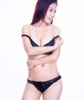 New Zealand Escorts-Monika-asian-escorts-Private-Auckland-escorts-massey-Escorts