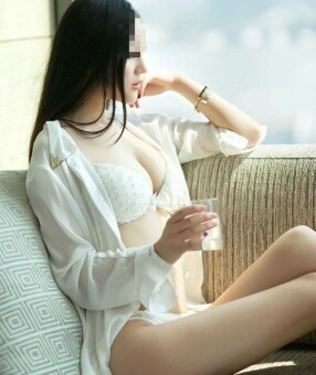 New Zealand Escorts-Emily -asian-escorts-Private-Auckland-escorts-penrose-Escorts