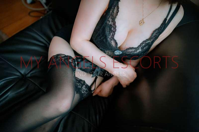 New Zealand Escorts-Lily-sensual-massage-Agency-Auckland-escorts-one-tree-hill-Escorts-3