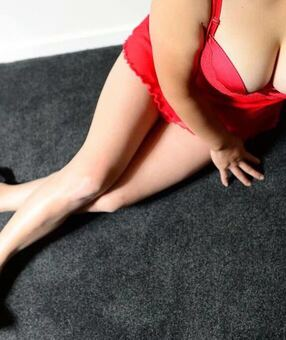 New Zealand Escorts-Pinky-asian-escorts-Private-Hamilton-escorts-cbd-Escorts